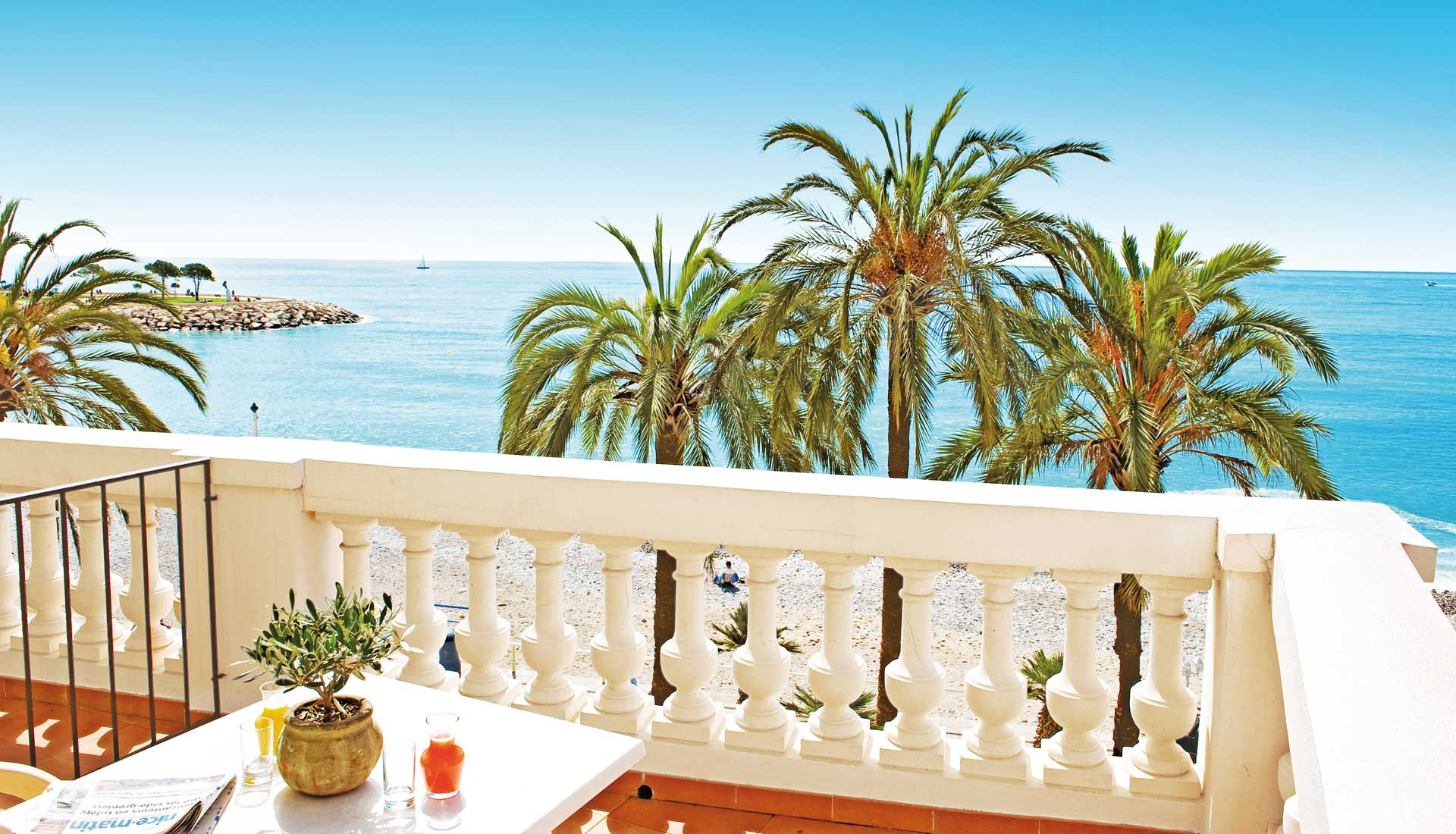 Splendid sea view from a balcony of the 3 stars hotel Bamoral in Menton